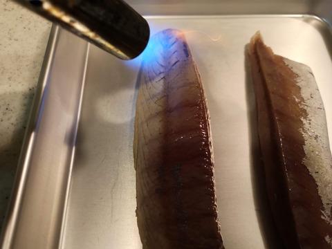 ツバスの燻製炙り (6)