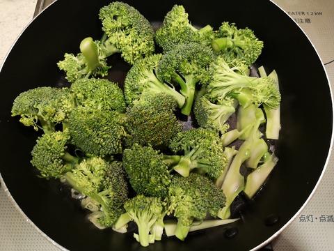 ブロッコリーとツナの塩炒め (4)