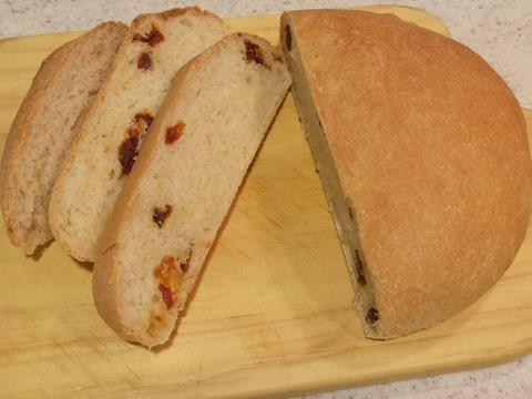 ドライトマトのパン (16)
