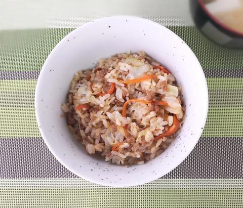 キャベツたっぷり混ぜご飯 (1)