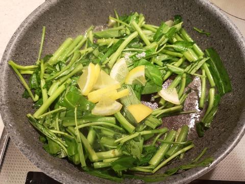 空心菜のレモン炒め (5)