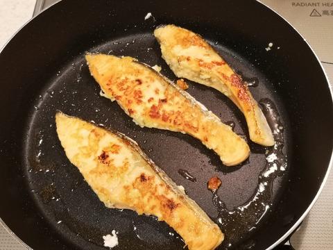 鮭のニンニク焼き (4)