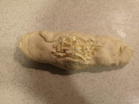 たっぷりチーズパン (10)