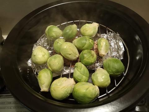 スモーク芽キャベツの塩焼き (2)