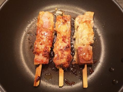 ベーコンのチーズ串焼き (7)