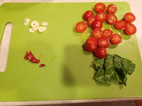 ミニトマトのピリっとサラダ (2)