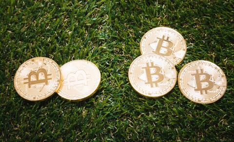 bitcoinIMGL4442_TP_V