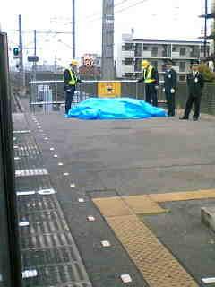 今日9:13発の電車に飛び込み自殺します