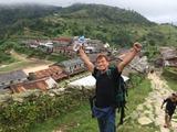 ネパールの田舎の山の小学校を訪問して