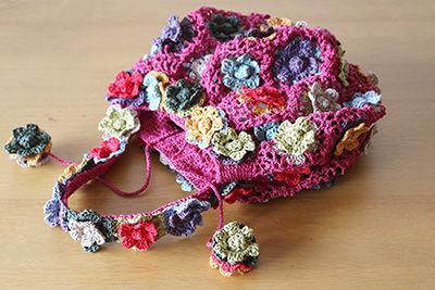 花モチーフのサマーバッグ