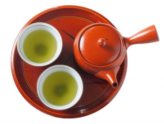 茶色に変化する緑茶は大丈夫?