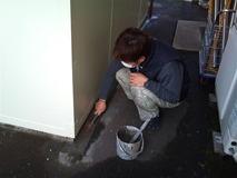 モルタル塗り作業