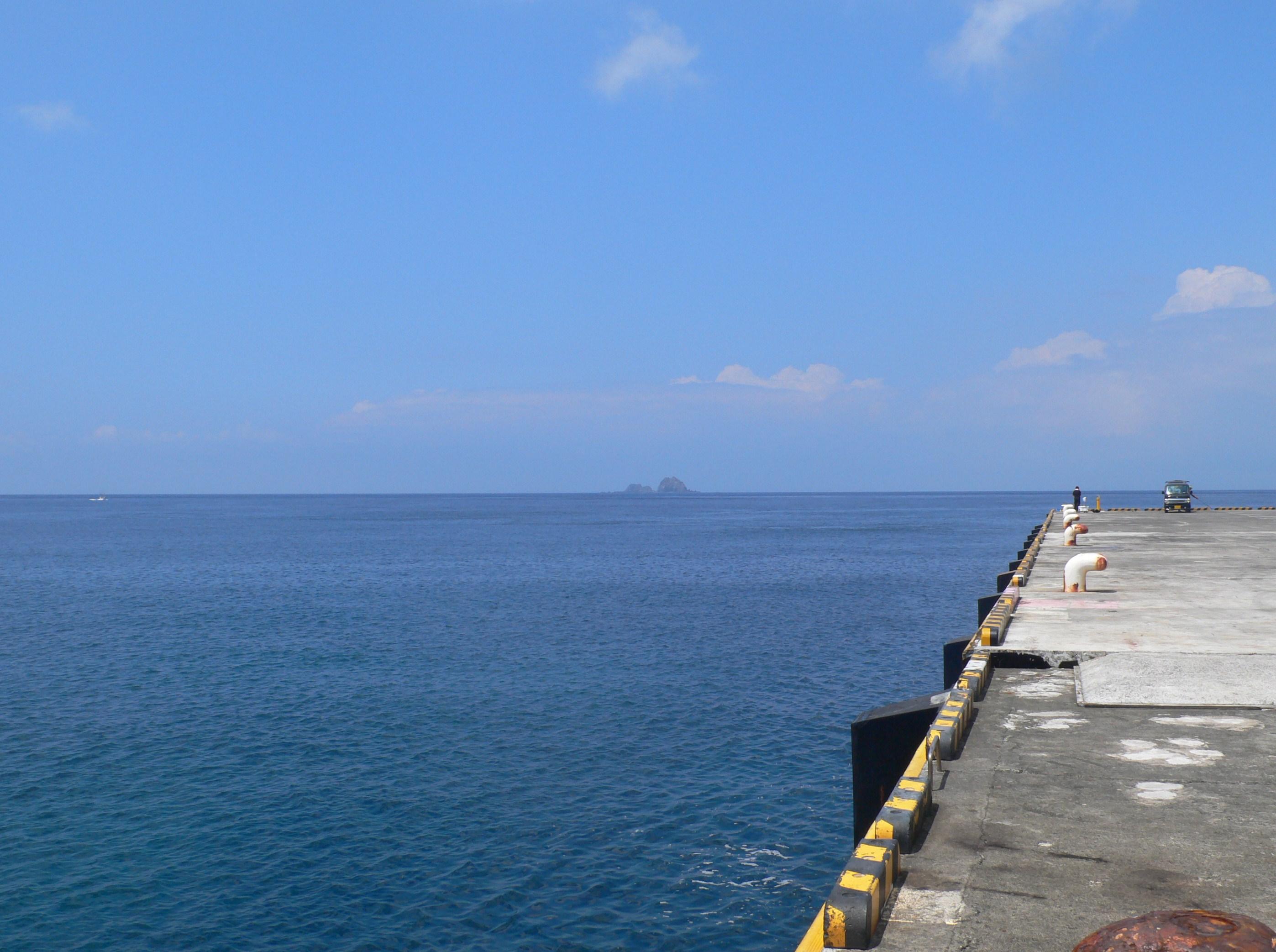 神津島港から撮影