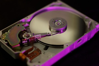 hard-disc-3319335_1280