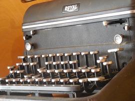 typewriter-1375300_1280