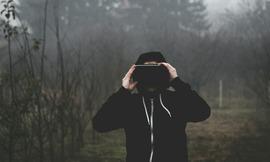 virtual-reality-1898441_1280