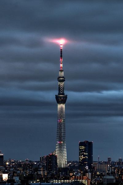 東京スカイツリーと雲