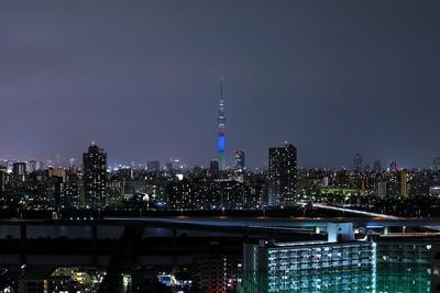 パラリンピックカラーの東京スカイツリー特別ライティング