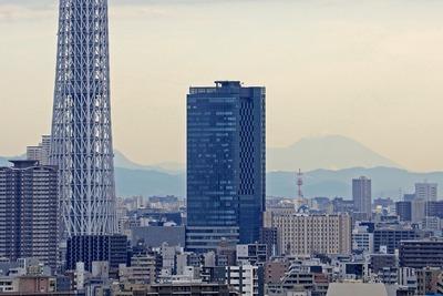 東京スカイツリーと浅間山