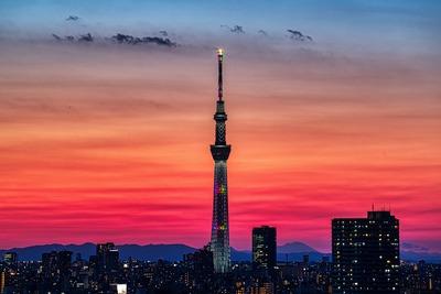 夕暮れの東京スカイツリー