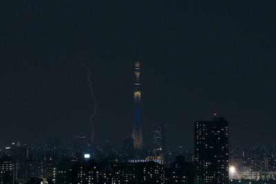 東京スカイツリーと雷