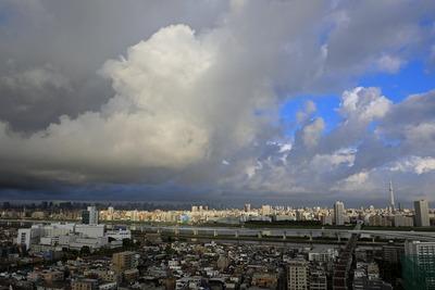 雲と東京スカイツリー