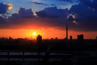 東京スカイツリーのある東京夕景