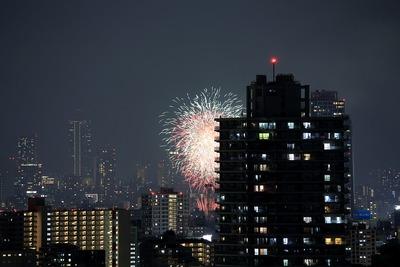 東京スカイツリーと隅田川花火大会