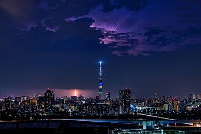 雷と東京スカイツリー