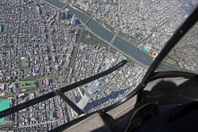 東京スカイツリーの空撮中