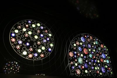 東京スカイツリーエレベーター 花火が彩る隅田川の空