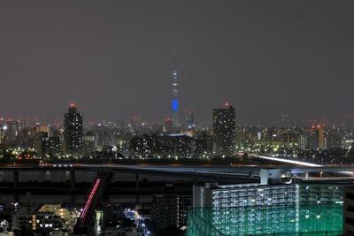 「赤・青・緑」のアギトスカラーによる特別ライティング