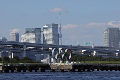 オリンピックマークと東京スカイツリー