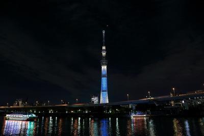 皆既月食と東京スカイツリー