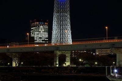 東京スカイツリーイーストタワーにクリスマスツリー
