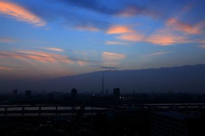 後光を放つ東京スカイツリー