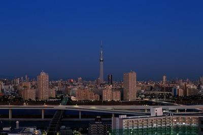 夜明け直前の東京スカイツリー