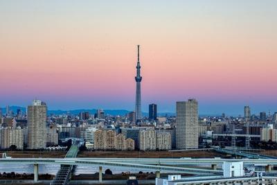夜明け直後の東京スカイツリー