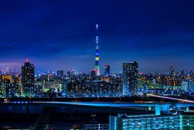 オリンピックカラーの東京スカイツリー