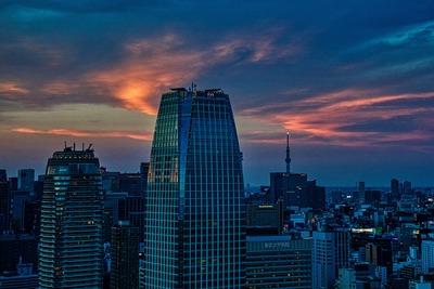 東京タワーから夕焼けと東京スカイツリー