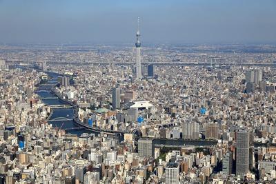隅田川と東京スカイツリーの空撮