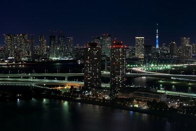 フジテレビの球体展望室「はちたま」からの夜景