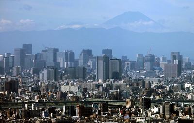 アイリンクタウン市川から見た富士山と東京超高層ビル群