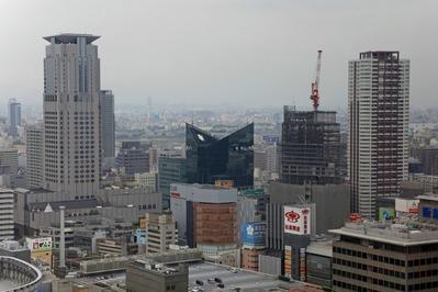 アクティ大阪から茶屋町方面