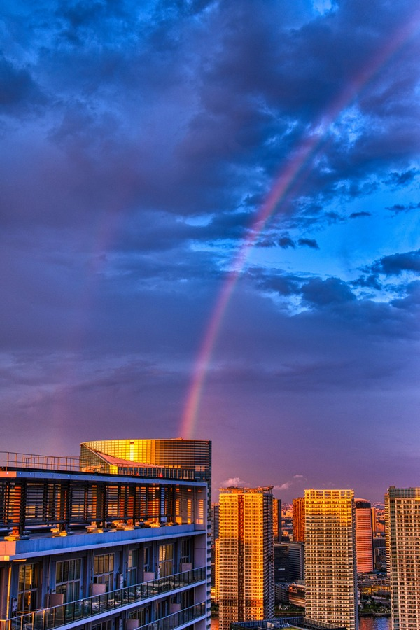 ドゥ・トゥールの高層階から見た二重の虹