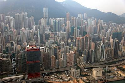 香港超高層ビル群のヘリコプター空撮