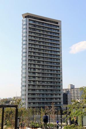 目黒天空庭園から見たプリズムタワー