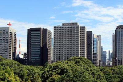 りそなマルハビルと三菱東京UFJ銀行大手町ビル