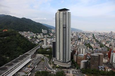 クラウンプラザ神戸からジークレフ新神戸タワー