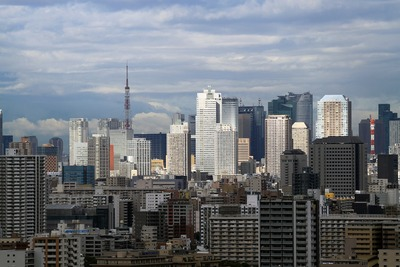 東京タワーと超高層ビル群